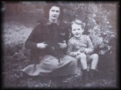 Rosalind (her daughter) and Mathew (her grandson) in 1947