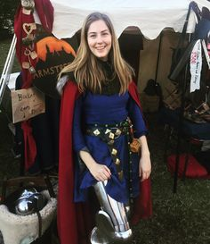 So many great people at Winterfest! It was a lovely weekend, and I got to wear my new leg harness! It's just a classic full wrap plate harness in stainless steel. Been wearing it all day and she fits like a glove. #winterfest #reenactment #larp #livinghistory #14c #14thcenturty #knight #hmb #armor #armour #plate #medieval #cosplay #costume #armstreet #femaleknight