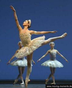 Shoko Nakamura in Balanchine's Ballet Imperial during the Staatsballet Berlin's Season Opening Gala 2013-2014. Photo by Bettina Stöß