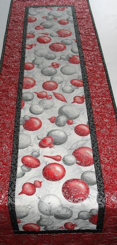 Christmas Table Runner Elegant Ornaments Winter quilted
