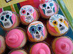 DIA DE LOS MUERTOS/DAY OF THE DEAD~CUPCAKES~mango rum calaveras by littlesweetiesla