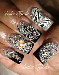 Buchonas Style. Sinaloa Style. Preciosas y elegantes con plata y negro