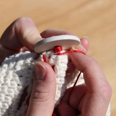 Button Tutorial for Crochet Items ~via Micah Makes
