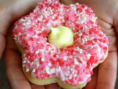 Tim Horton's creates the Alberta Wild Rose donut. of the proceeds goes to Alberta Flood relief. Timbits Recipe, Tim Hortons Coffee, Donut Cupcakes, White Strawberry, Coffee And Donuts, Canadian Food, Yellow Cream, Canada Day, Flower Shape
