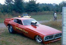 History - Drag cars in motion. Funny Car Drag Racing, Nhra Drag Racing, Funny Cars, Because Race Car, Classic Monsters, Vintage Race Car, Us Cars, Drag Cars, Vintage Humor