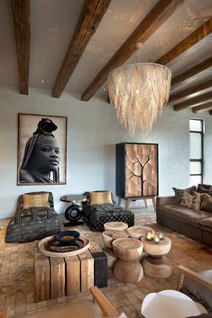 If you want any kind of type of change in your house designs and decoration and if you are believing to redecorate your safari living room decor after that you will certainly have to assume some good ideas in home decoration. South African Decor, South African Homes, South African Design, African House, African Home Decor, African Interior Design, Salon Interior Design, Contemporary Interior Design, African Bedroom