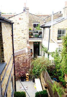 Jo Sindle & Kyle Stewart's backyard in East End, London / photo by Georgia Kuhn