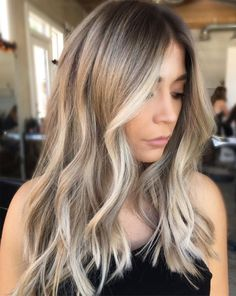 Delightful Brunette Blonde Long Layered Hairstyles 2018 for Women To Look Pretty on Parties