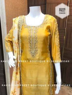 Best 12 Use a printed dupatta Churidar Designs, Kurti Neck Designs, Kurta Designs Women, Kurti Designs Party Wear, Blouse Designs, Indian Dress Up, Suit Fashion, Fashion Outfits, Pakistani Dresses Online Shopping