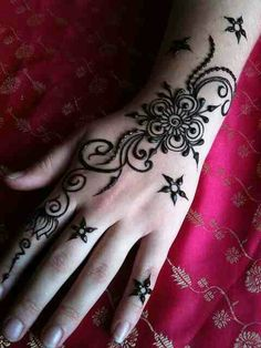 Henna design, more stars and filigree and i want it