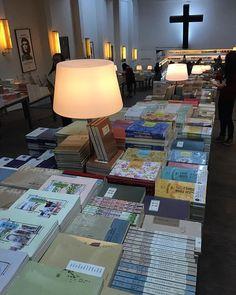 De volta ao paraíso na China 😍 #marinachina #nanjing #china #bookstore #livraria #livros #books