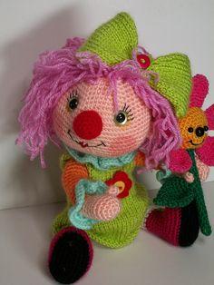 clown girl amigurumi
