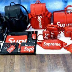 Rich Kids : Collection Louis Vuitton x Supreme Louis Vuitton 2017, Louis Vuitton Handbags, Collection Louis Vuitton, Supreme Clothing, Mini Mochila, Supreme Bag, Supreme Stuff, Rich Kids, Backpack Bags