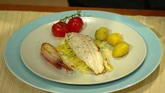 Pstruh na smotanovom keli s baby zemiakmi Eggs, Chicken, Meat, Breakfast, Food, Morning Coffee, Egg, Essen, Yemek