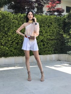 Yasemin Özilhan White Shorts, Short Dresses, Satin, Celebrity, Street Style, Queen, Womens Fashion, Outfits, Women