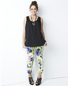 Cropped Floral print Trousers: http://www.simplybe.co.uk/shop/cropped-floral-print-trousers/pk200/product/details/show.action?pdBoUid=7985