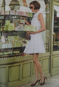 You must always get a  beautiful sweet to go at the Laduree ~ Memories for ever!!!