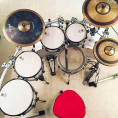 Cymbals  Featured  @saluda  #drum#drums#drummer#drummerboy#drumset#drumkit#drumporn#drumline#drummergirl#recordingstudio#musico#baterista#instadrum#drumming#percussion#percussionist#drumsoutlet#tama#DWdrums#ludwig#sjcdrums#gretsch#Bateria#pearldrums#drumlife#drumdrumdrum#sessiondrummer#drumsticks by drumset_up