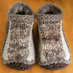 Pattern: Non-felted Slippers by Yuko Nakamura Details: on Ravelry I used some early handspun yarn doubled and a very rustic blend of Merino, N. Knitting Patterns Free, Knit Patterns, Free Knitting, Knitting Socks, Knitted Christmas Stockings, Christmas Knitting, Knit Slippers Free Pattern, Knitted Booties, Knitted Slippers