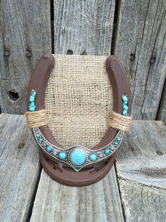 Horseshoe Projects, Horseshoe Art, Horseshoe Crafts, Lucky Horseshoe, Horseshoe Decorations, Beaded Horseshoe, Horseshoe Earrings, Jewelry Holder, Earring Holders