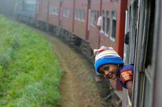 Hanging From A Train, Train to Ella, Sri Lanka (www.secretlanka.com)