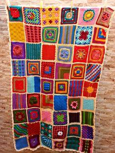 Proud teacher. Blankets vol. Crochet Blocks, Granny Square Crochet Pattern, Crochet Granny, Crochet Motif, Crochet Stitches, Knit Crochet, Crochet Patterns, Crochet Bedspread, Manta Crochet