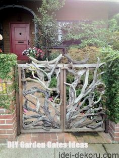 10 DIY Garden Gates IdeasTOP 10 DIY Garden Gates Ideas Chui Arbor- Chui Arbor Chui Arbor - I love fences made from branches, although I imagine this would be tricky to make. Backyard Gates, Garden Gates And Fencing, Fence Gate, Backyard Ideas, Rustic Gardens, Outdoor Gardens, Cottage Gardens, Rustic Fence, Rustic Wood