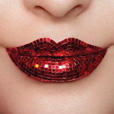 25 Amazing lip art will completely change your look - beautiful lip makeup ,lipstick color ,lip art ,lip arts Lipstick Art, Lipstick Dupes, Lip Art, Lipstick Colors, Lip Colors, Matte Lipsticks, Crazy Lipstick, Gloss Eyeshadow, Black Lipstick