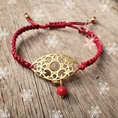 Golden eye charm macrame bracelet ❤❄ #twiniñas #twininas #golden #eye #charm #macrame #handmade #bracelet #dark #red #bordeaux #crystal #goldplated #brass #satin #cord #fashion #christmas #girls #gift #christmas2015 #etsyfind #etsy #shop Christmas Gift For You, Unique Christmas Gifts, Christmas Girls, Macrame Bracelets, Handmade Bracelets, Golden Eyes, Dark Red, Jewelry Collection, Jewlery