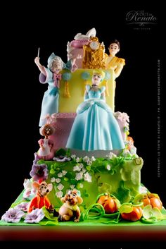 Amazing Cinderella cake and more cakes!
