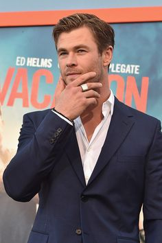 And finally, the thinker. | 17 Of The Most Important Things Chris Hemsworth Has Done With His Hands