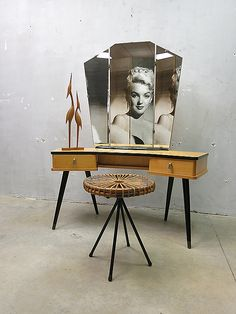 Vintage Dutch design kaptafel makeup tafel reto jaren 60, vintage dressingtable makeuptable sidetable sixties retro www.bestwelhip.nl