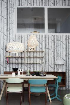The Best 2019 Interior Design Trends - Interior Design Ideas Wood Wallpaper, Geometric Wallpaper, Forest Wallpaper, Dining Room Inspiration, Interior Inspiration, My Living Room, Living Spaces, Turbulence Deco, Interior Architecture