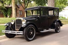 1926 Dodge Business Sedan....note the solid wheel rims....