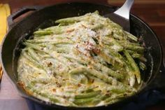 These recipes prove green beans are perfect for a fancy holiday meal or a simple weekday dinner. Healthy Low Carb Recipes, Quick Healthy Meals, Healthy Crockpot Recipes, Vegetarian Recipes, Healthy Eating, Vegetable Side Dishes, Vegetable Recipes, Fall Soup Recipes, Healthy Chicken Dinner
