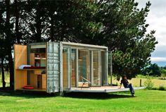 Shipping Container Architecture: Portable shipping container holiday home, New Zealand