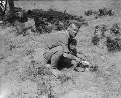 The food supplied to the men at Gallipoli was a source of much complaint. Hard biscuits, unappetising jam and tinned bully beef was the staple diet and many became fed up with its limited range. The rations they received were smaller than they'd have liked, too.