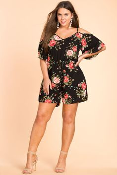 Floral Cold Shoulder Romper, A lightweight romper with a vibrant allover rose print, drapey cold shoulders, and dolman half sleeves. Elastic cinched waist and decorative self-tie drawstring. Xl Fashion, Curvy Women Fashion, Plus Size Fashion, Womens Fashion, Curvy Outfits, Jean Outfits, Cold Shoulder Romper, Half Sleeves, Floral Tops