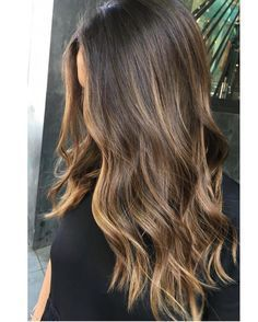 Hair Color Balayage Brunette Sun Kissed 56 Ideas For 2019 Balayage Hair Brunette Long, Brown Hair Balayage, Hair Color Balayage, Hair Highlights, Brunette Color, Partial Balayage Brunettes, Subtle Highlights, Sunkissed Hair Brunette, Caramel Balayage Highlights