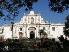 La cathédrale Saint-Joseph, située à Antigua Guatemala, ancienne capitale du Royaume du Guatemala, est une ancienne cathédrale dépendant de l'archidiocèse de Guatemala.