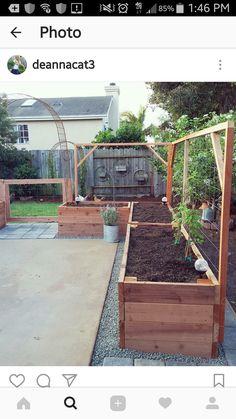 Raised Garden Beds Patio Garden Planning - - Raised Garden Be Backyard Vegetable Gardens, Veg Garden, Vegetable Garden Design, Outdoor Gardens, Garden Trellis, Garden Bed Layout, Garden Organization, Garden Planning, Garden Projects