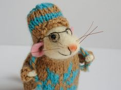 Needle felt Mouse. Woolen Mouse. Mouse with hat. Knit sweater. Knit snow flake…