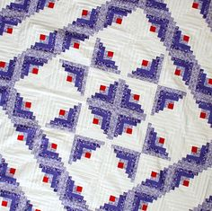 Log Cabin Quilt top, Lavender tones - Unique streak of lightnoing borders