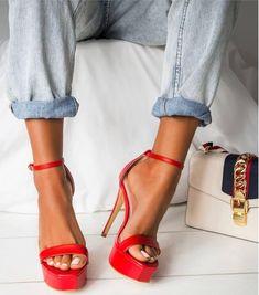 Stiletto #stiletto #shoes #sandals #fashion #vanessacrestto #style