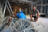 Matthias Rombey auf der Baustelle: Ende September sollen hier Gäste speisen.