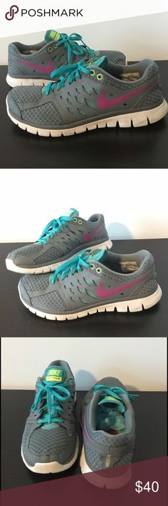 Nike Flex Run Teal and Grey sz 9.5 Fun pair of Nike Flex Run sneakers! Size 9.5. These are very gently worn and are super comfortable! Great for trails or gym workouts. Nike Shoes Athletic Shoes