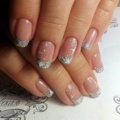 73 The Latest Nails Art Design Ideas for Christmas 2018 - Christmas nails Xmas Nails, New Year's Nails, Holiday Nails, Gold Nails, Christmas Nails, Hair And Nails, Nails At Home, Winter Nail Art, Winter Nails