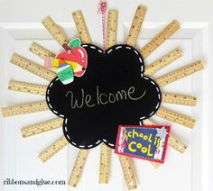 DIY Back to School Ruler Wreath. All you need to make this classroom decor is a chalkboard, hot glue, school themed die cuts and rulers. Creative addition to any classroom Back To School Party, Back To School Crafts, Back To School Teacher, School Fun, School Ideas, School Stuff, Classroom Wreath, Teacher Wreaths, School Wreaths