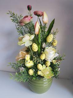 Tálak Easter Flower Arrangements, Creative Flower Arrangements, Easter Flowers, Floral Arrangements, Deco Floral, Arte Floral, Easter Projects, Easter Crafts, Diy Easter Decorations