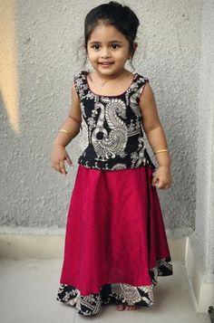 Kalamkari Tops, Kalamkari Dresses, Ikkat Dresses, Kids Dress Wear, Kids Gown, Baby Dress, Kids Wear, Dress Design Patterns, Frock Design